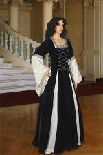 Ladies Deluxe Medieval Renaissance Costume and Headdress Size 8 - 12 Petite Shorter Length