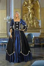 Ladies 18th Century Marie Antoinette Masked Ball Costume Size 14 - 18